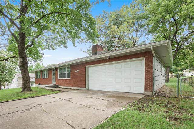 2422 N 64TH Street, Kansas City, KS 66104 (#2235030) :: House of Couse Group