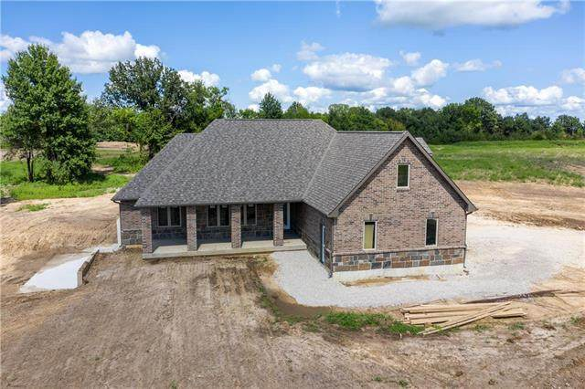 9 SW 160 Road, Warrensburg, MO 64093 (#2235052) :: Ron Henderson & Associates