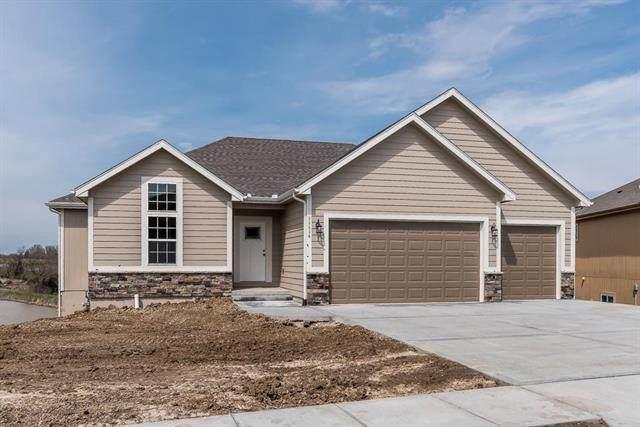 11308 Yecker Avenue, Kansas City, KS 66109 (#2235071) :: House of Couse Group