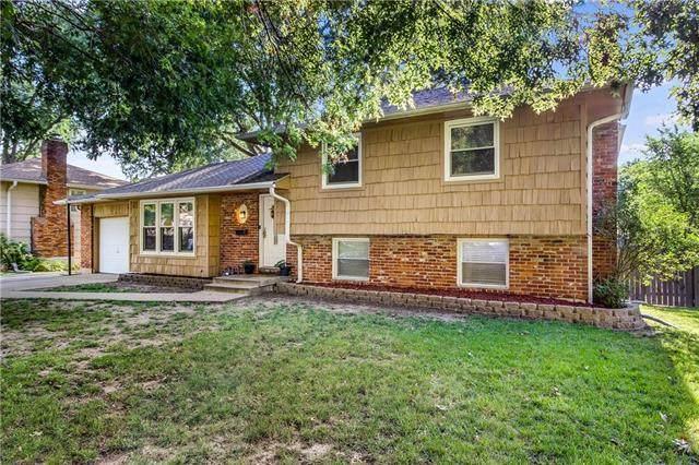 311 Manor Drive, Belton, MO 64012 (#2235151) :: Ron Henderson & Associates