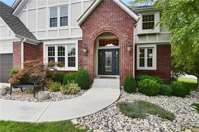 14045 Grandview Street, Overland Park, KS 66221 (#2235183) :: House of Couse Group
