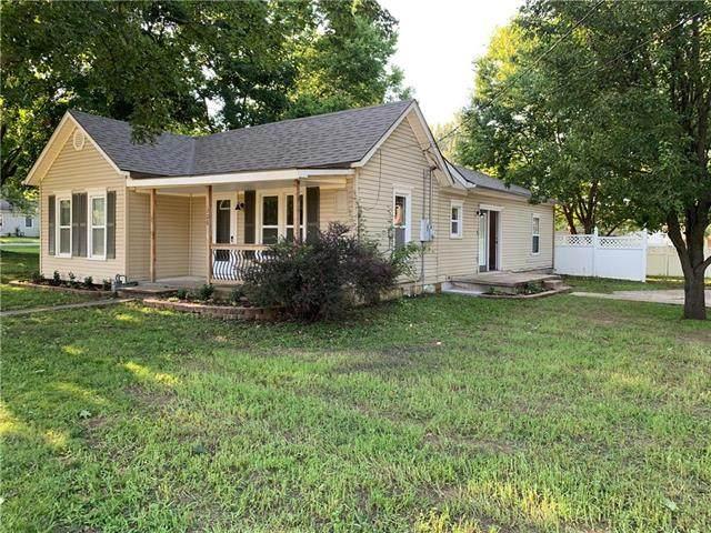 206 W Hale Street, Spring Hill, KS 66083 (#2235319) :: Team Real Estate