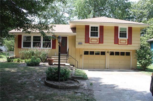 10812 Fuller Avenue, Kansas City, MO 64134 (#2235333) :: Five-Star Homes