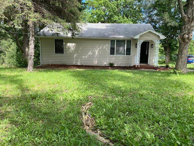 2011 N Hines Road, Independence, MO 64058 (#2235369) :: Jessup Homes Real Estate | RE/MAX Infinity