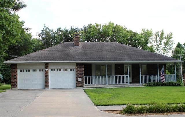3620 NW Dogwood Drive, Blue Springs, MO 64015 (#2235458) :: Geraldo Pazar