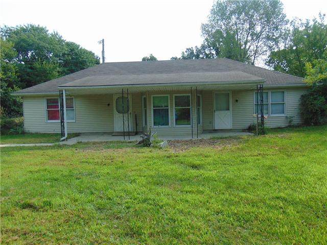 2607 E Outer Road Road, Harrisonville, MO 64701 (#2235502) :: Edie Waters Network