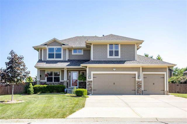 2817 NE Parkwood Drive, Lee's Summit, MO 64086 (#2235505) :: Jessup Homes Real Estate | RE/MAX Infinity