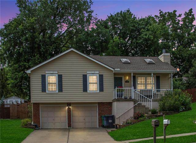 15601 E 3rd Terrace, Independence, MO 64050 (#2235537) :: Eric Craig Real Estate Team