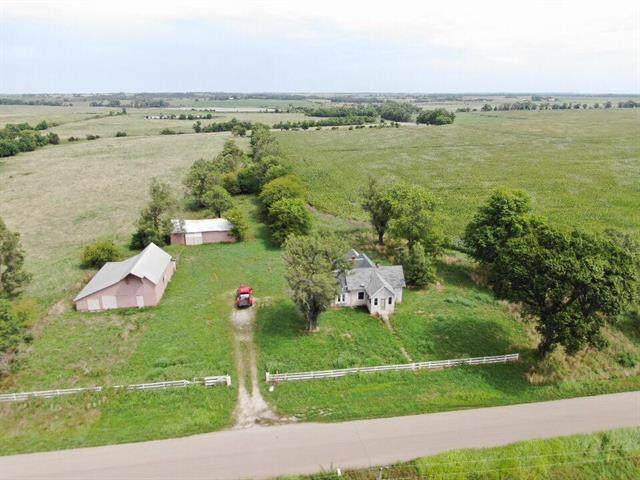 189 Yellowstone Road, Bronson, KS 66716 (#2235659) :: House of Couse Group