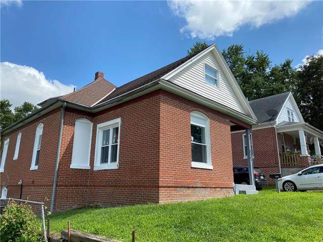 1307 N 13th Street, St Joseph, MO 64501 (#2235703) :: Eric Craig Real Estate Team