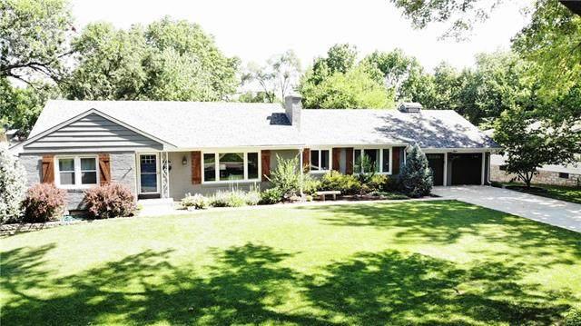 7000 W 66 Terrace, Overland Park, KS 66202 (#2235768) :: House of Couse Group