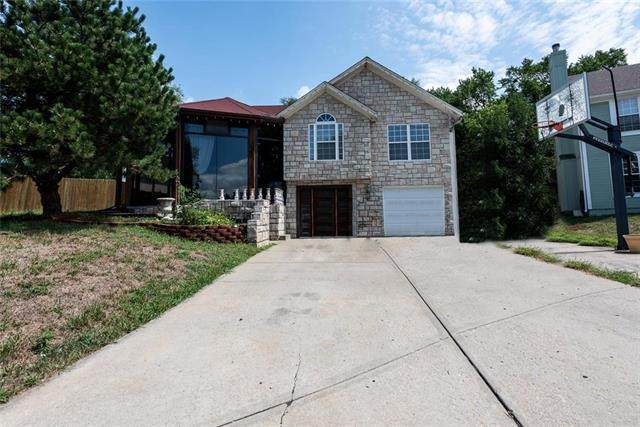 2219 S 29th Street, Kansas City, KS 66106 (#2235770) :: House of Couse Group