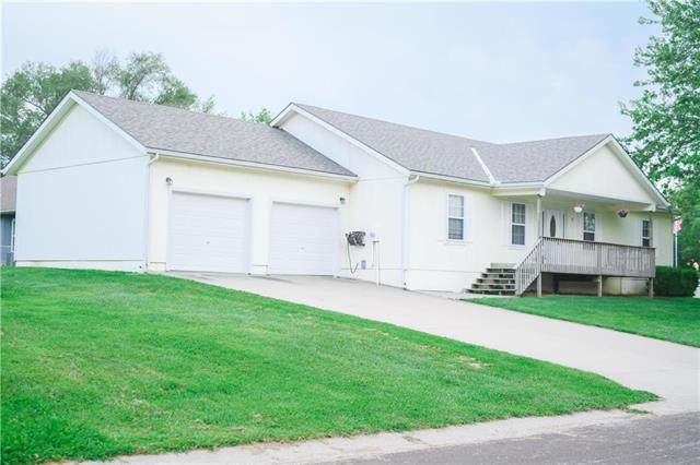7 Sunset Drive, Lexington, MO 64067 (#2235824) :: Dani Beyer Real Estate