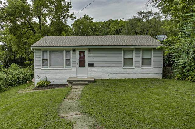 9318 E 18th Street, Independence, MO 64052 (#2235838) :: Eric Craig Real Estate Team