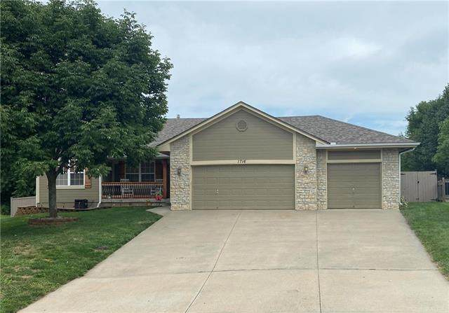 1716 Overbrook Lane, Raymore, MO 64083 (#2235848) :: Ask Cathy Marketing Group, LLC