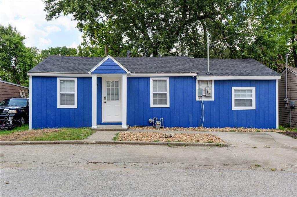 4918 Blue Lane - Photo 1