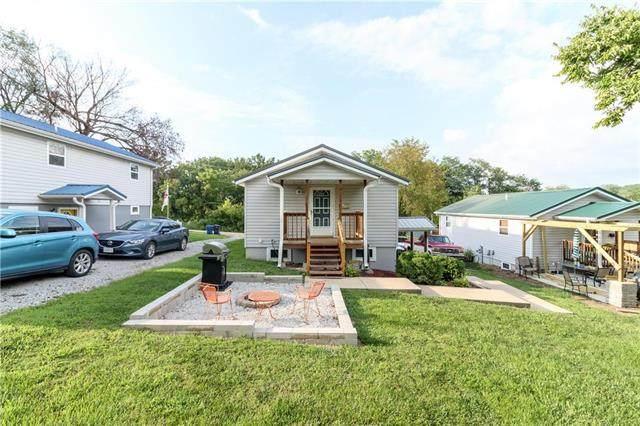 207 W South Railroad Street, Knob Noster, MO 65336 (#2235952) :: Eric Craig Real Estate Team