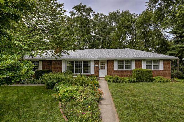 1632 Magnolia Avenue, Liberty, MO 64068 (#2235956) :: Dani Beyer Real Estate