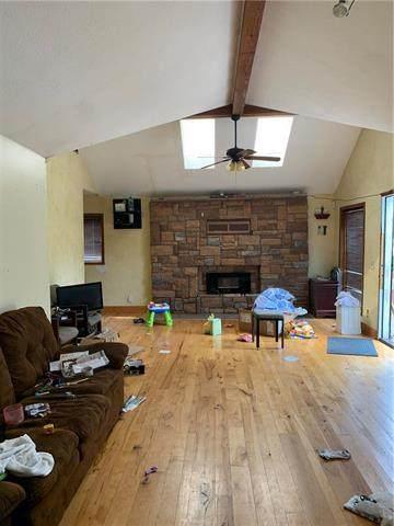 9215 Montgall Avenue, Kansas City, MO 64132 (#2235972) :: Eric Craig Real Estate Team