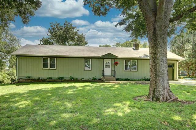 103 Vine Street, Louisburg, KS 66053 (#2235985) :: Dani Beyer Real Estate