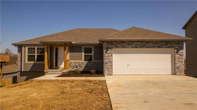 1201 NW Highview Drive, Grain Valley, MO 64029 (#2236006) :: Austin Home Team