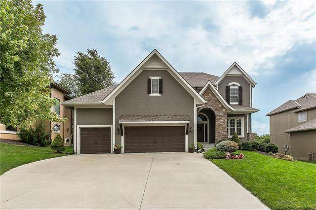6015 Hilltop Drive, Shawnee, KS 66226 (#2236047) :: House of Couse Group