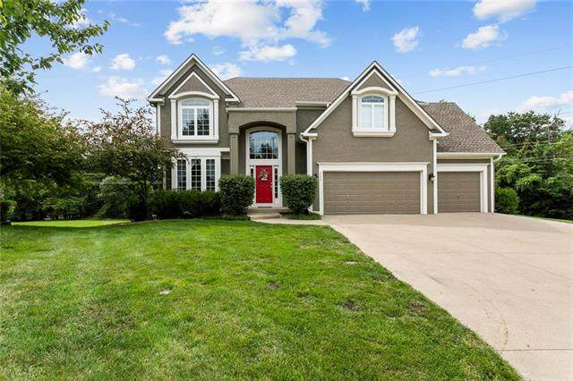 225 NE Hidden Ridge Circle, Lee's Summit, MO 64064 (#2236052) :: Eric Craig Real Estate Team