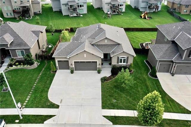 8008 NE 99th Terrace, Kansas City, MO 64157 (#2236141) :: Geraldo Pazar