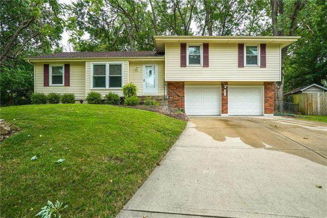 12713 W 99TH Terrace, Lenexa, KS 66215 (#2236159) :: House of Couse Group