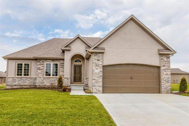 1004 SW Powell Drive, Oak Grove, MO 64075 (#2236186) :: The Gunselman Team