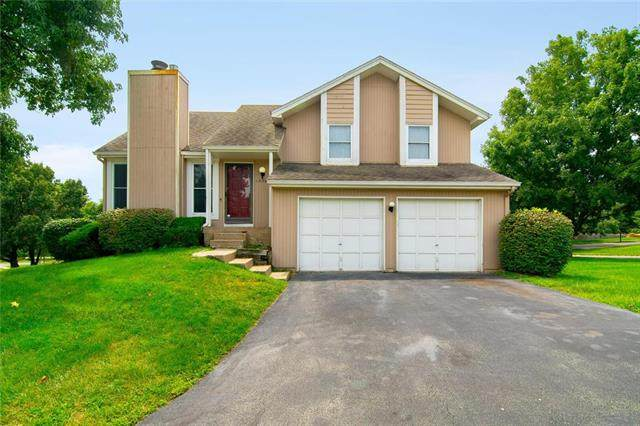 12363 W 107th Terrace, Overland Park, KS 66210 (#2236248) :: Eric Craig Real Estate Team