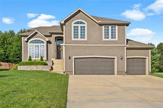 7000 Round Prairie Street, Shawnee, KS 66226 (#2236316) :: House of Couse Group