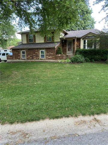 1429 N Hanover Avenue, Independence, MO 64056 (#2236325) :: Ron Henderson & Associates