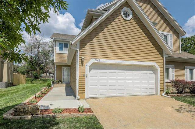 8148 W 119TH Terrace, Overland Park, KS 66213 (#2236339) :: House of Couse Group