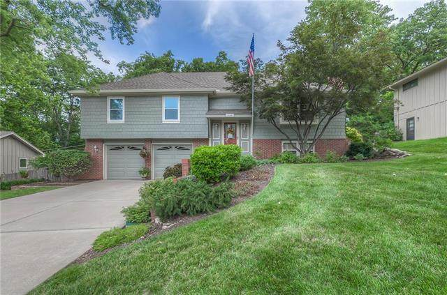 7210 W 54th Street, Overland Park, KS 66202 (#2236351) :: House of Couse Group