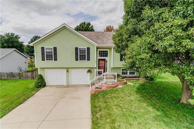 10430 N Tracy Avenue, Kansas City, MO 64155 (#2236373) :: Dani Beyer Real Estate