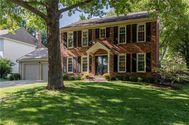 8916 W 116th Street, Overland Park, KS 66210 (#2236395) :: House of Couse Group