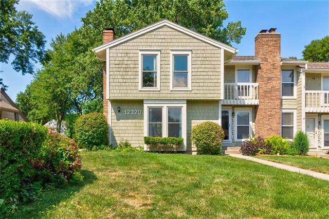 12320 W 79 Terrace, Lenexa, KS 66215 (#2236441) :: House of Couse Group
