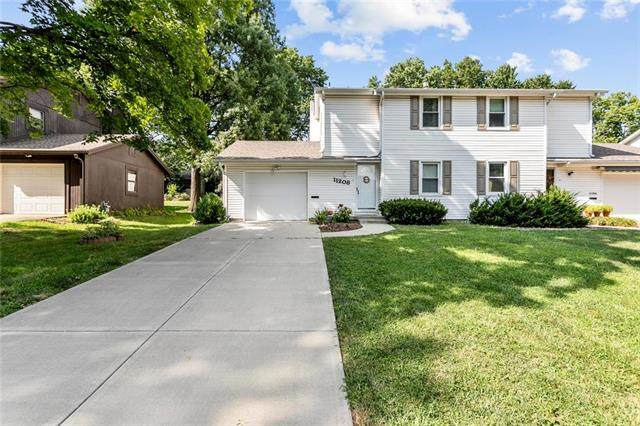 11208 W 71st Terrace, Shawnee, KS 66203 (#2236474) :: House of Couse Group