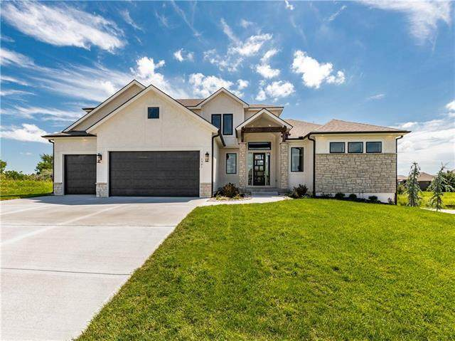 1901 NE Park Ridge Drive, Lee's Summit, MO 64064 (#2236639) :: Dani Beyer Real Estate