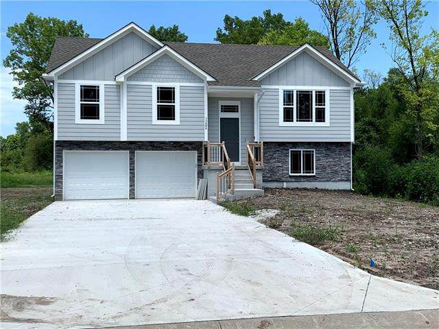811 S Sunset Lane, Raymore, MO 64083 (#2236851) :: Jessup Homes Real Estate | RE/MAX Infinity