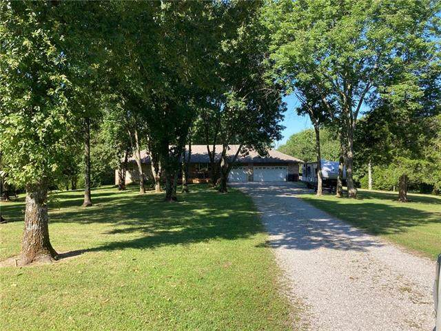 52 SE 951 Road, Knob Noster, MO 65336 (#2236854) :: Jessup Homes Real Estate | RE/MAX Infinity