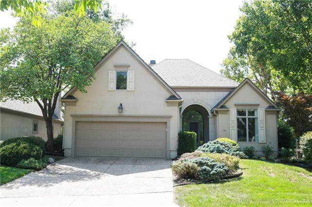 5305 W 116th Street, Leawood, KS 66211 (#2236991) :: Austin Home Team