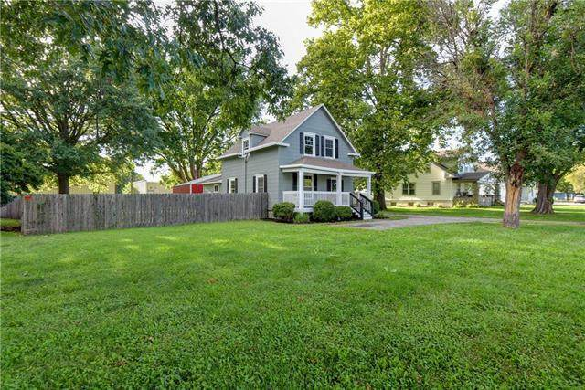 112 S Sibley Street, Buckner, MO 64016 (#2237060) :: Jessup Homes Real Estate | RE/MAX Infinity