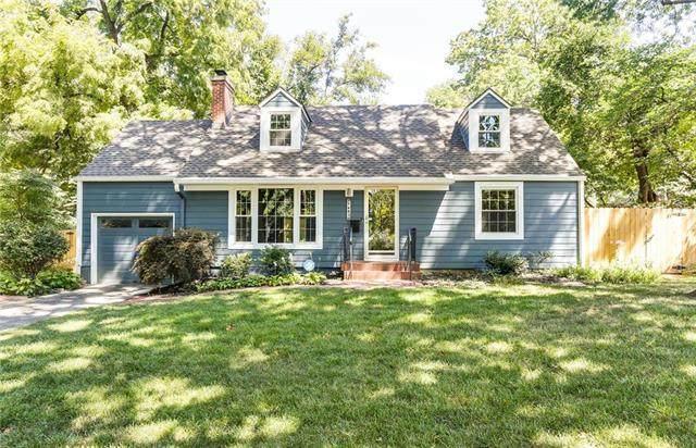 7483 Village Drive, Prairie Village, KS 66208 (#2237165) :: Ron Henderson & Associates