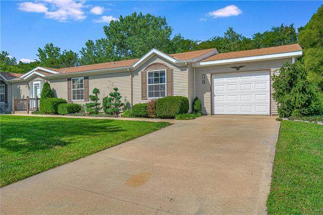 401 NE Cedar Court, Oak Grove, MO 64075 (#2237254) :: Ron Henderson & Associates