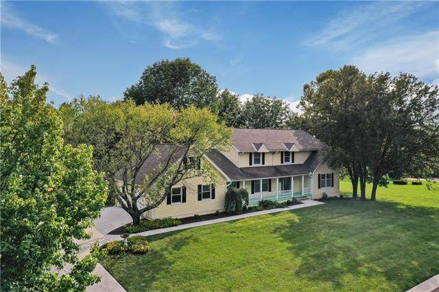4013 W 137th Terrace, Leawood, KS 66224 (#2238362) :: House of Couse Group