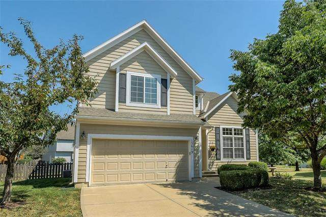 15619 S Brougham Drive, Olathe, KS 66062 (#2238458) :: Jessup Homes Real Estate | RE/MAX Infinity