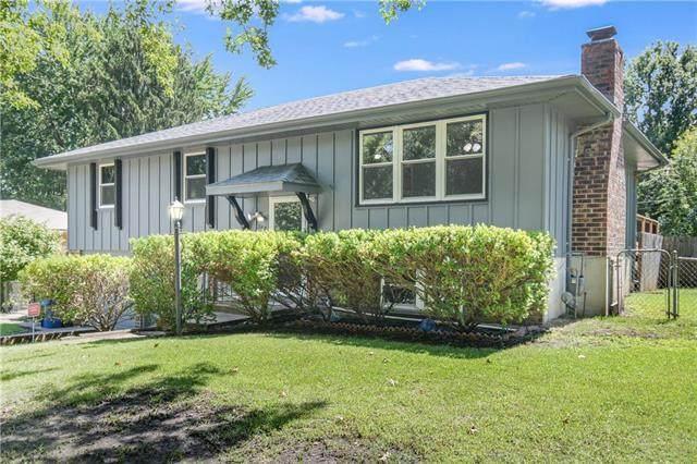 207 W 20th Terrace, Oak Grove, MO 64075 (#2238940) :: Edie Waters Network