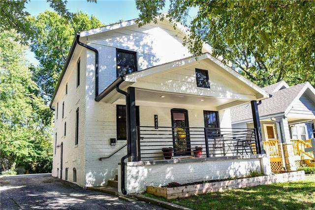 4445 Francis Street, Kansas City, KS 66103 (#2239027) :: Ron Henderson & Associates